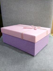 Коробка розово-сиреневая с бантом большая