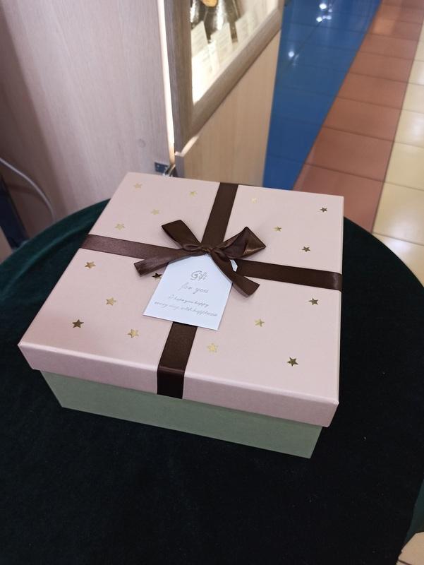 """Коробка подарочная """"Звёзды"""" большая"""