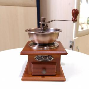 Кофемолка (Мельница для кофе) деревянная